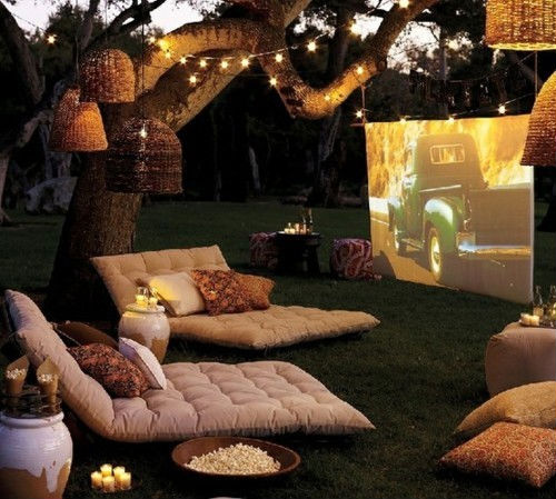 Outdoor movie-party